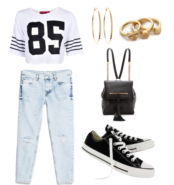 Baseball game, anyone? Show off your sporty side by pairing these black Converse Chuck Taylor Core Ox sneakers with a cropped jersey top and denim skinnies for a cool, laid back look that says you're ready to enjoy the game!